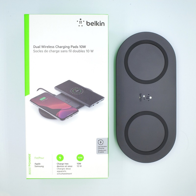 belkin BOOST↑CHARGE 10Wデュアルワイヤレス充電パッドの箱