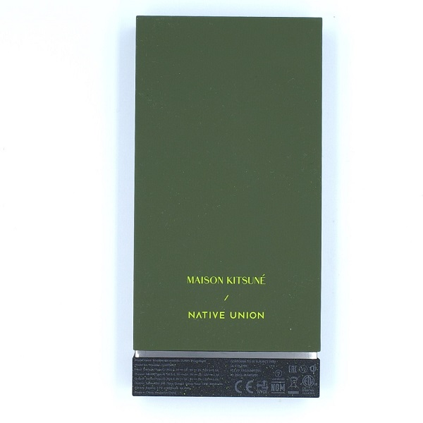 NATIVE UNION「ジャンプ ワイヤレス パワーバンク (MAISON KITSUNÉ EDITION)」裏面