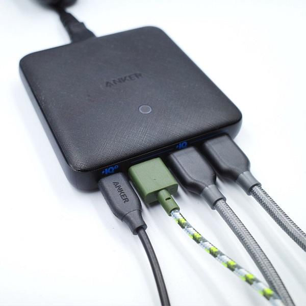 Anker「PowerPort Atom Ⅲ Slim(Four Ports)」4ポート使用例