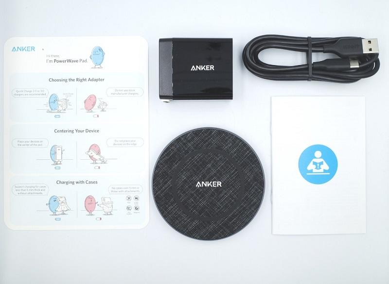 Anker PowerWave Sense Pad Alloy同梱品