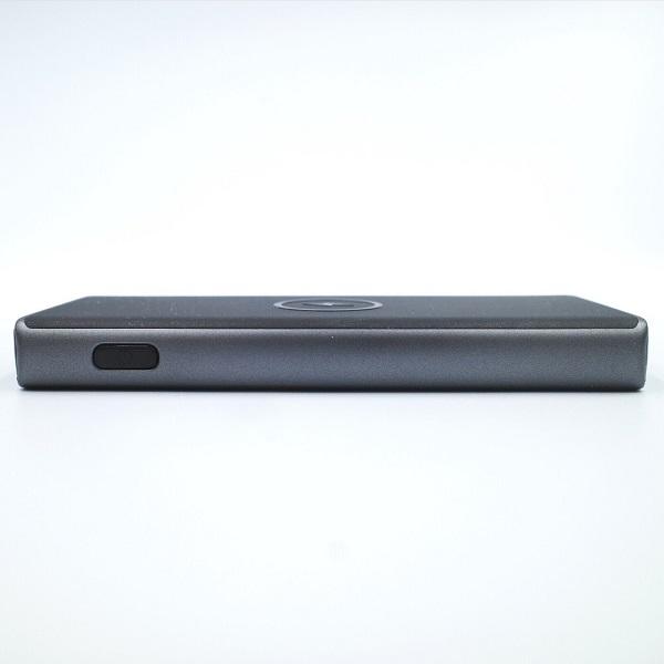 AUKEY Qi対応 10000mAh モバイルバッテリーPB-Y32サイド