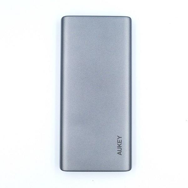 AUKEY Qi対応 10000mAh モバイルバッテリーPB-Y32裏面