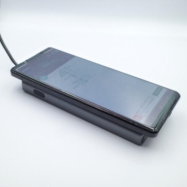 AUKEY Qi対応 10000mAh モバイルバッテリー PB-Y32 充電しながらパススルーでワイヤレス充電