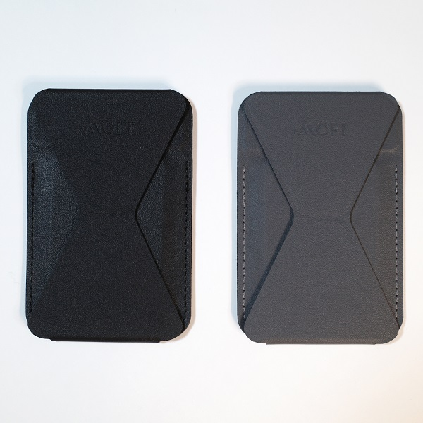 MOFT Snap-On Phone Stand & Walletブラックとグレーの比較