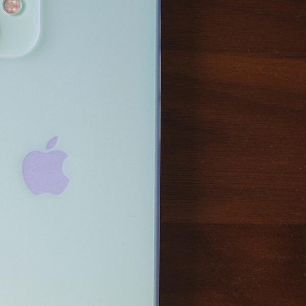NATIVE UNION Clic Air(iPhone 12 mini)装着するとボタンがフラットに