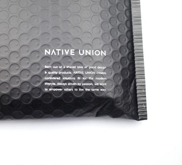 NATIVE UNION DROP WIRELESS CHARGERを梱包していたパッケージ裏面
