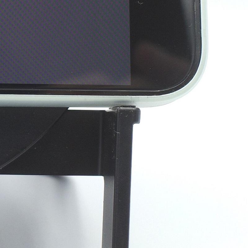 Belkin BOOST↑CHARGE Wireless Charging Stand 10W + Speakerのすべり止め