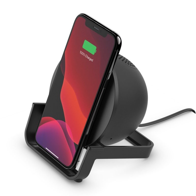 Belkin BOOST↑CHARGE Wireless Charging Stand 10W + Speakerでスマホ充電