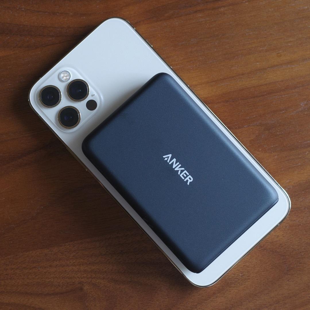 Anker PowerCore Magnetic 5000をiPhone12Proに装着
