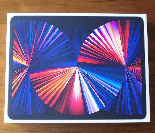 iPad Pro12.9インチの外箱
