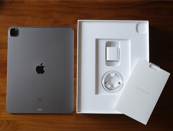 iPad Pro12.9インチのパッケージ内容