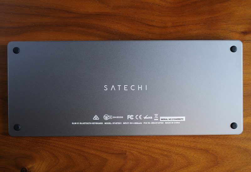 Satechi Slim X1 Bluetooth Backlit Keyboard裏面